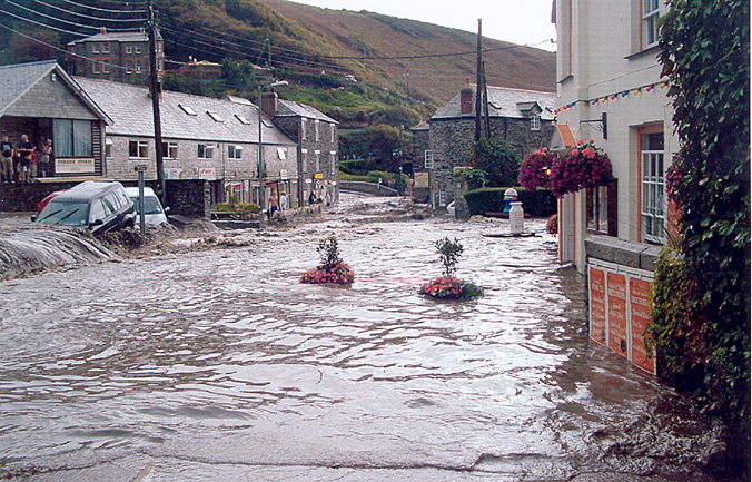 boscastle floods Boscastle, a national trust place in cornwall, has bounded back from the terrible flooding of august 2004.